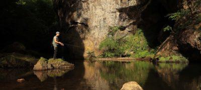 Pêche dans les gorges du pas de Cère Cantal
