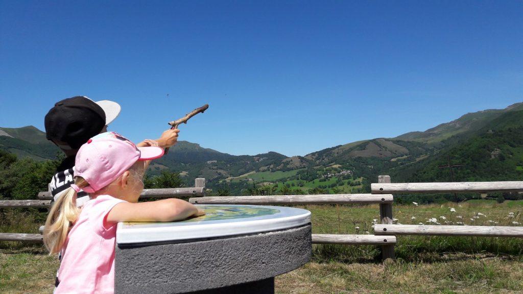 Puy Griou Cantal Auvergne balade en famille au Col du Pertus la Bouguette