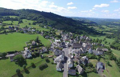 Vue aérienne de Raulhac cantal