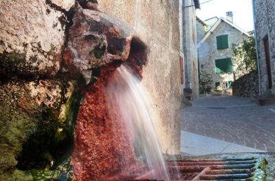 Source du Par Chaudes Aigues Cantal