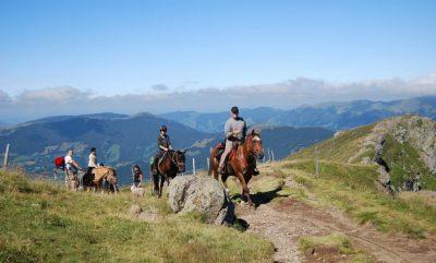 Randonnée à cheval sur le volcan Cantal