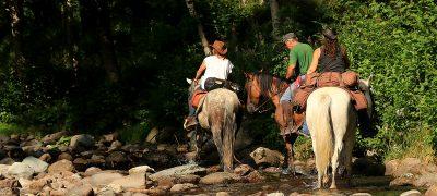 randonnée à cheval dans le Cantal