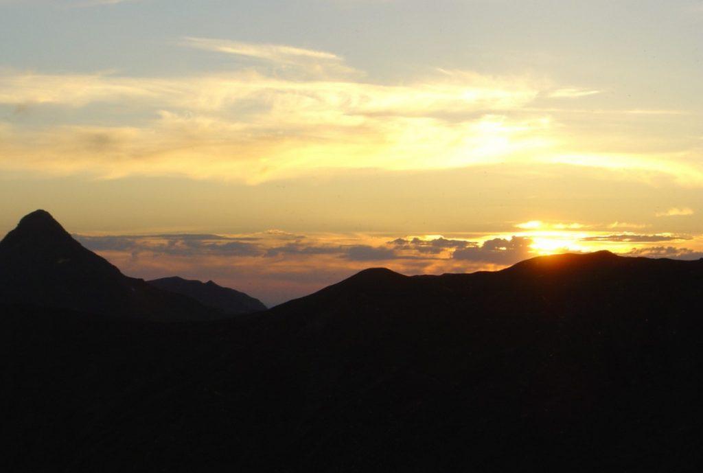 Cantal Volcan coucher de soleil sur le Puy Griou