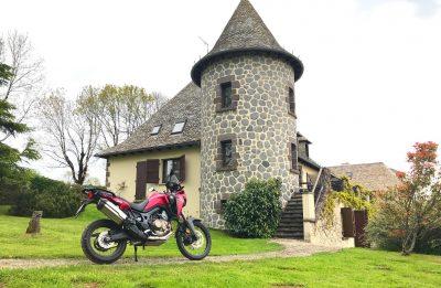 Moto à l'Auberge des Montagnes à Pailherols