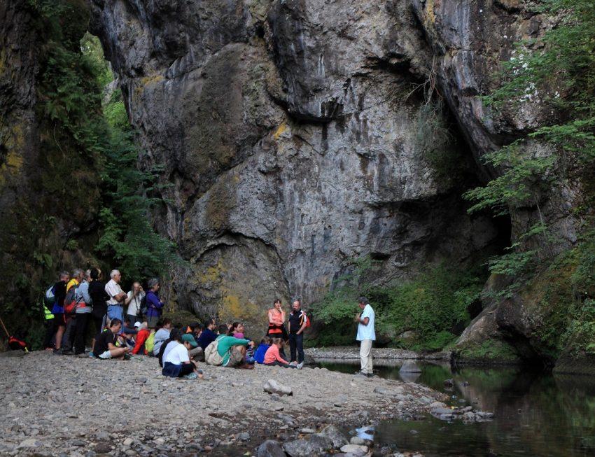 Balades contées dans les Gorges du Pas de Cère Cantal Auvergne