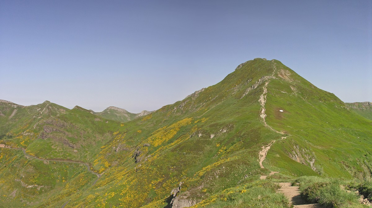 puy-mary-chemin-GR400-cantal