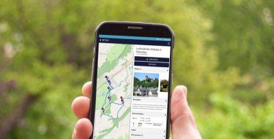 Randonnée avec un smartphone dans le Cantal - Application Cirkwi