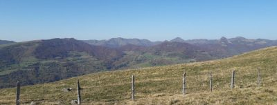 paysage carladès vue sur les Monts dy cantal