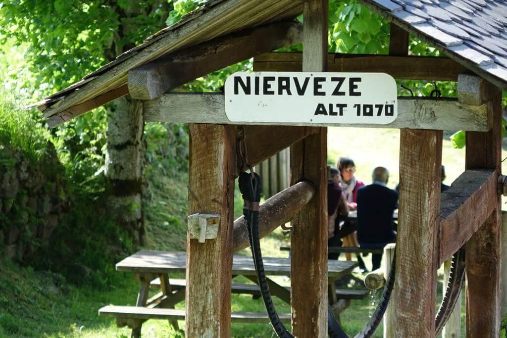 nierveze hameau incontournable du Cantal