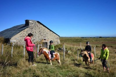 Balade Poney Ferme equestre des burons Pailherols