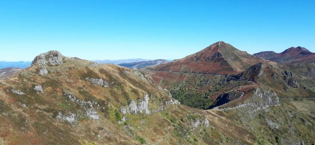 Randonnée sur le GR400 cantal Puy Mary