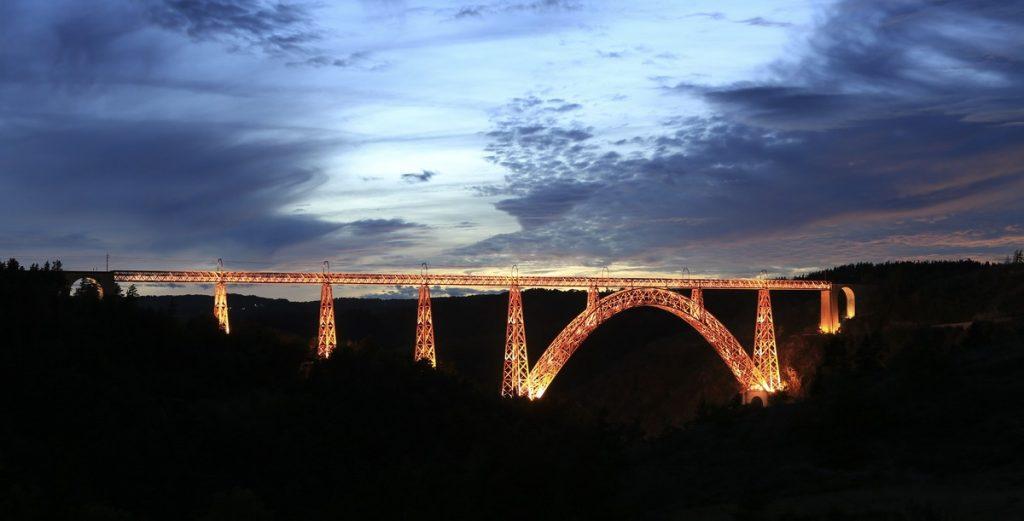 El Viaducto de Garabit Auvergne France