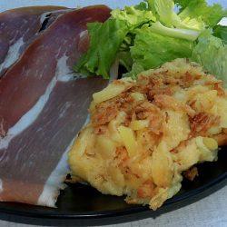 assiette de truffade dans le Cantal Auvergne