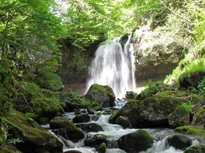 Cascade du capat dans le Cantal en Auvergne