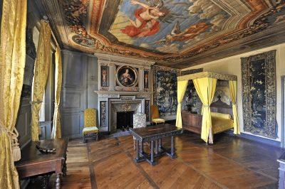 Château de pesteils mobilier Cantal Auvergne