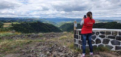 Rocher de Ronesque dans le Cantal
